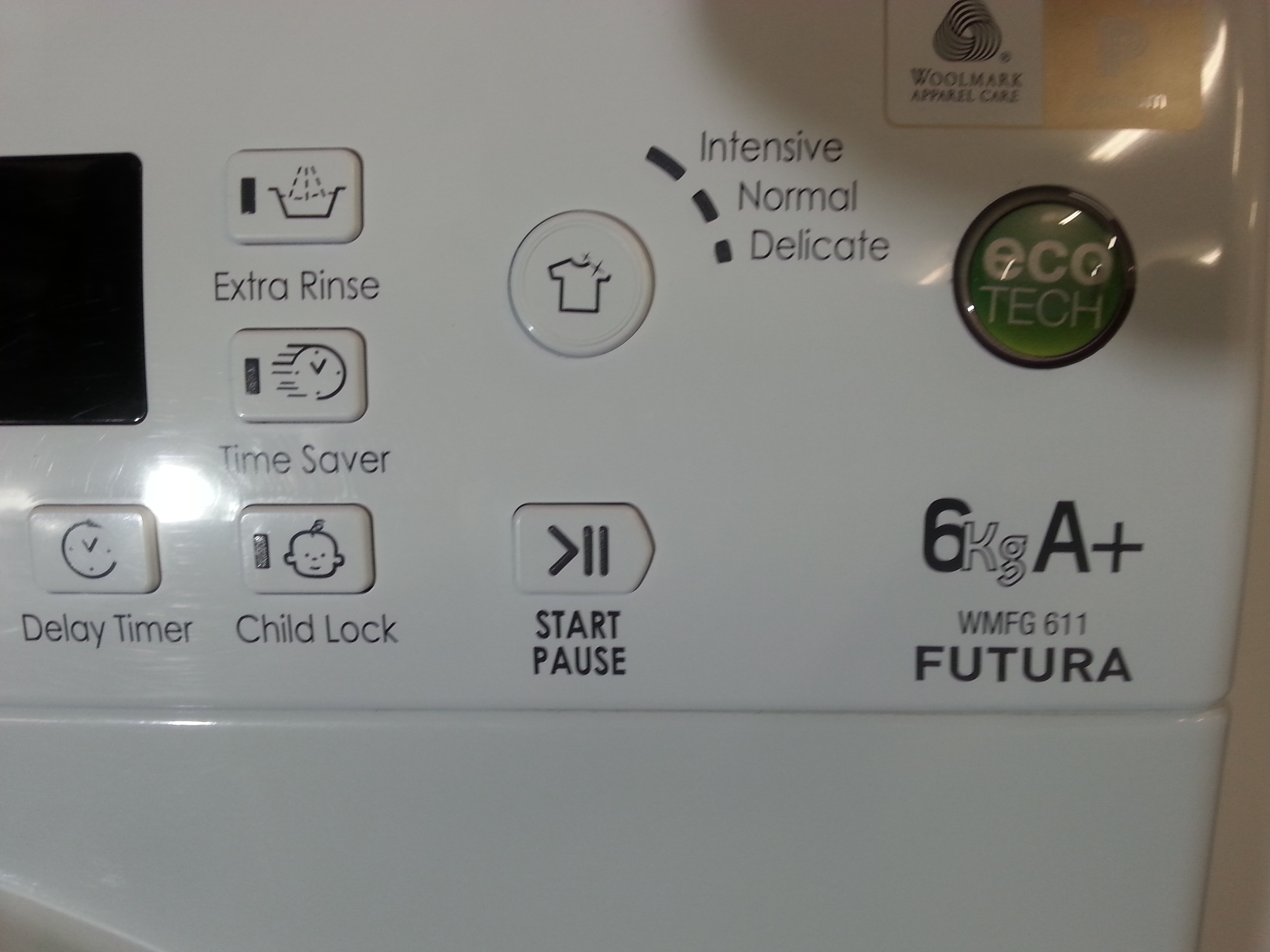 WM120 - Hotpoint Futura 6kg Load 1100 Spin Washing Machine